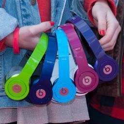 'Apple ontslaat Beats-werknemers'
