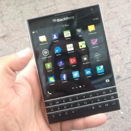 Vierkante Blackberry Passport eind oktober naar Nederland