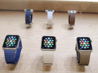 Slime horloge komt in verschillende versies, formaten en bandjes